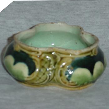 """Majolica """"dish"""" - Art Pottery"""