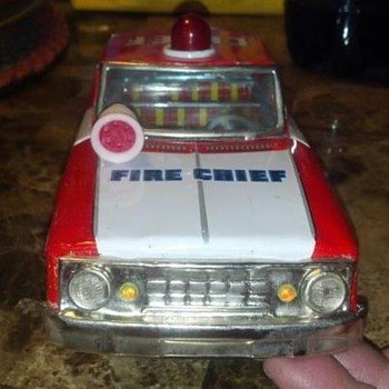 F D fire chief tin friction car - Model Cars