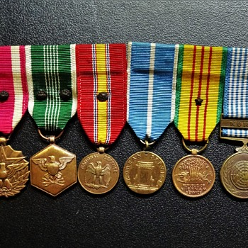 Cornell's War Medals and Pins - Military and Wartime
