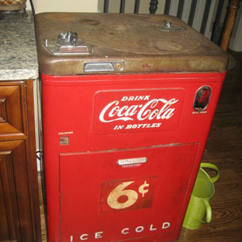Old 6 cent Coke Machine - Coca-Cola