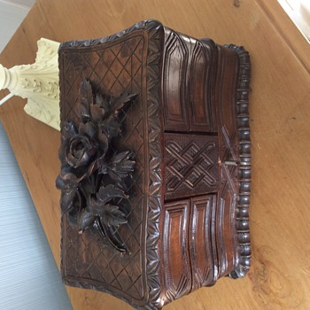 Beautiful Antique carved Jewellery box  - Fine Jewelry