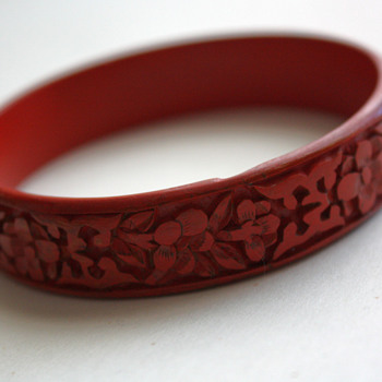 Chinese cinnabar bangle