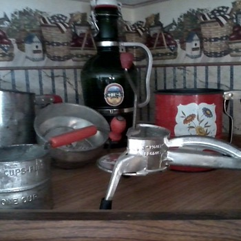 Some more kitchen collectibles
