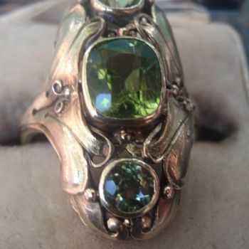 Arts & Crafts Peridot Ring
