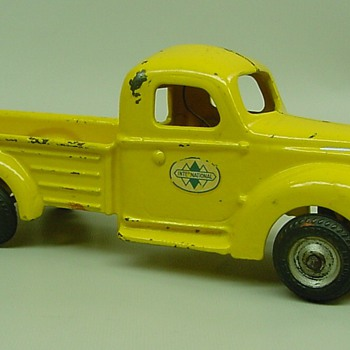 Arcade International truck