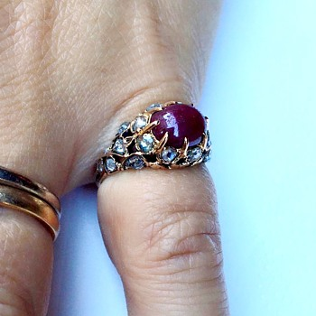 Antique ruby diamond ring - Fine Jewelry