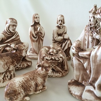 Vintage Nativity Scene - Figurines