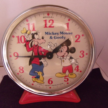 Bradley Time Mickey and Goofy Alarm Cock - Clocks