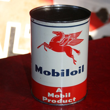 mobiloil can - Petroliana