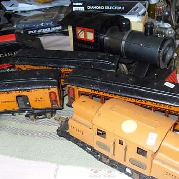 IVES TOY TRAIN LOCOMOTIVE  SET