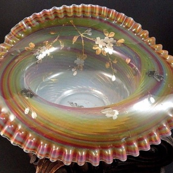 Antique Victorian Bohemian Opalescent Rainbow Swirl Art Glass Bowl