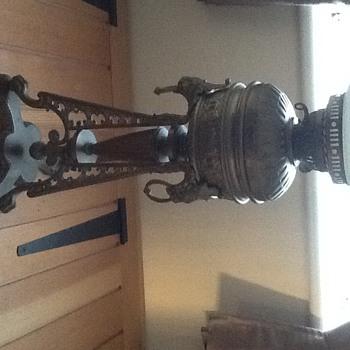 Messenger oil lamp