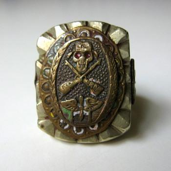 WWII or Vietnam Era???  Prop & Wing Ring