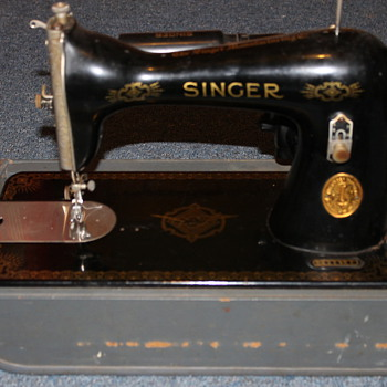 Recently found Singer AE558183  - Sewing