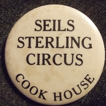 Seils-Sterling circus employee pinback - Medals Pins and Badges
