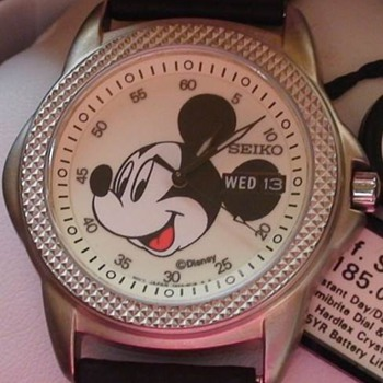 SEIKO MICKEY LUMIBRITE WATCH