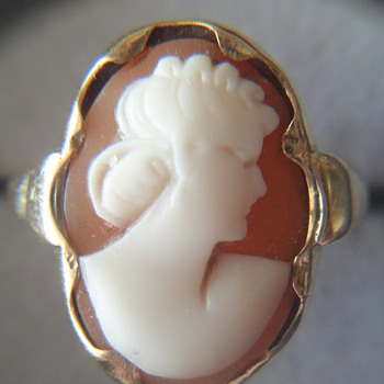 Beautiful antique carved cameo ring 14K