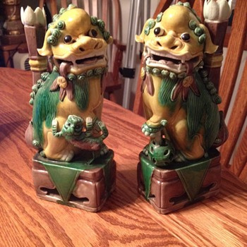 Pair of Chinese guardian lion figurines