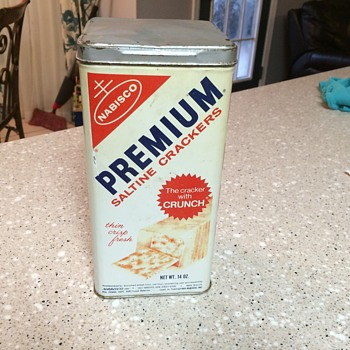 1969 Nabosco Premium Saltine Crackers tin.