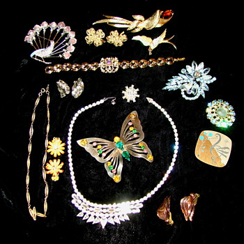 My Collection of Vintage Jewelry - Costume Jewelry
