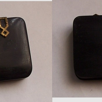 Mystery Rouge Compact - Accessories