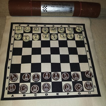 I need help identifying this Chess set