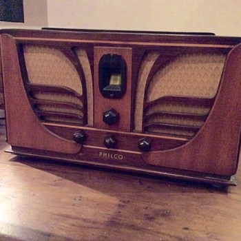 Philco 45C Butterfly Radio