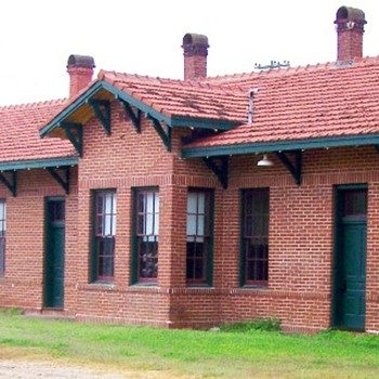 1911 Santa Fe Depot at Eagle Lake, TX - Railroadiana