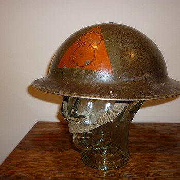 British WWII combat helmet - Military and Wartime