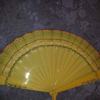 ART Deco 1920's to 1930's Celuloid Fan.