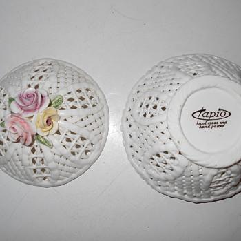 Capodimonte Style Porcelian Basket Weave Trinket Box Italy?