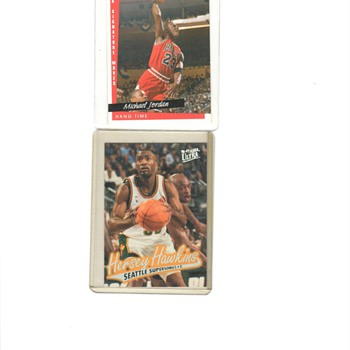 MICHAEL JORDAN AND HERSERY HAWKINS BASKETBALL CARDS - Basketball