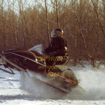 1980's JOHN DEERE LIQUIFIRE Snowmobile - Photographs