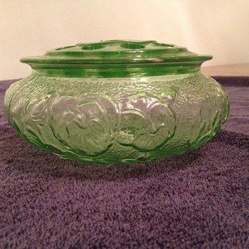 Green Depression Glass Fern Bowl with Frog. Maker Unknown.