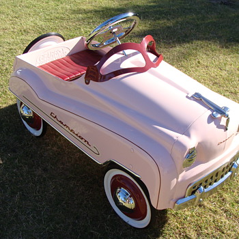 Murray Champion Pink Pedal Car. - Model Cars
