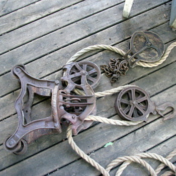 Block and tackle hoist - Tools and Hardware