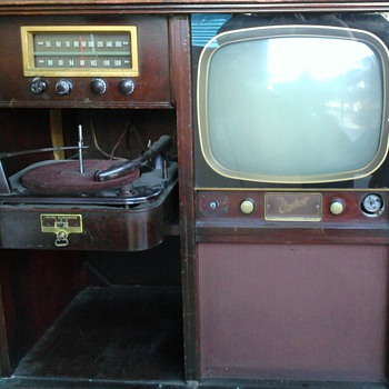 AUCTION BOUND - TV COMBO/RADIO COMBO - Radios