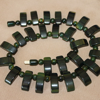 Green Bakelite Necklace - Costume Jewelry