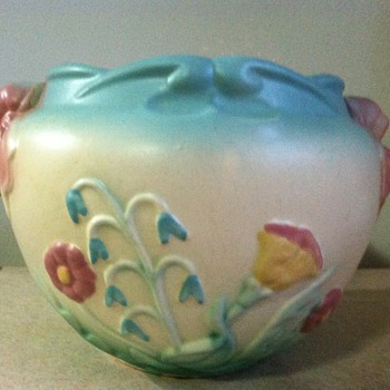 Hull Bowknot Jardiniere - Art Pottery