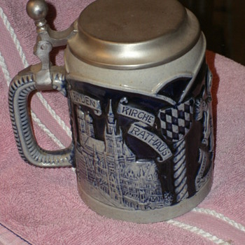Cobalt blue &amp; cream German flat lidded stein - Breweriana