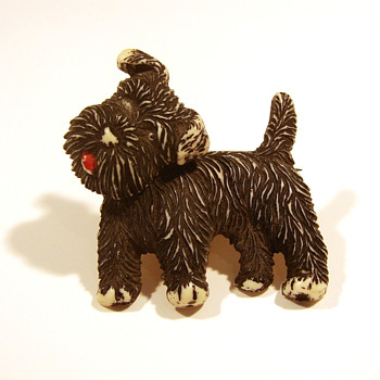 Plastic Scottie Dog Pin with Moveable Head