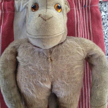 I have this monkey as shown..steiff.... Vintage collection