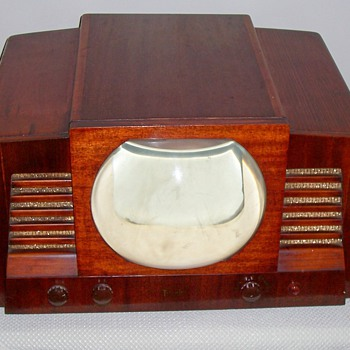 Rare 1940&#039;s Temple television - Radios