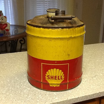 Shell 5 gallon oil can 1940's