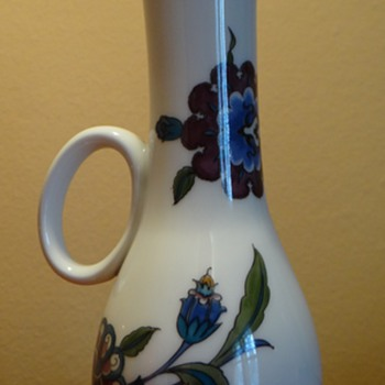 ROYAL WORCESTER -ENGLAND / DATES 1970 - Art Pottery