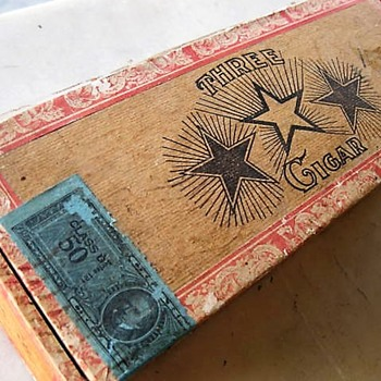 Three Star Junior Straights cigar box - Tobacciana