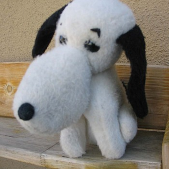 Vintage Wind Up Peanuts SNOOPY Plush - Dolls