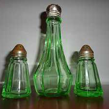 3-Piece Vintage Shakers Set - Kitchen