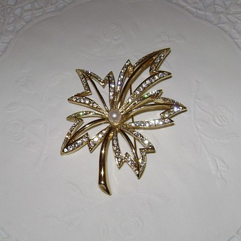 Napier Brooch - Costume Jewelry