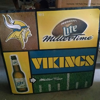 "Miller Lite Vikings Large Metal Sign - 35""x35"""